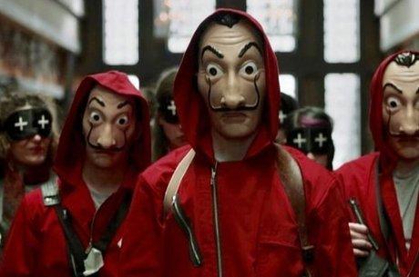 As máscaras de Salvador Dalí e os macacões vermelhos usados pelos personagens viraram objeto de desejo de vários fãs da trama