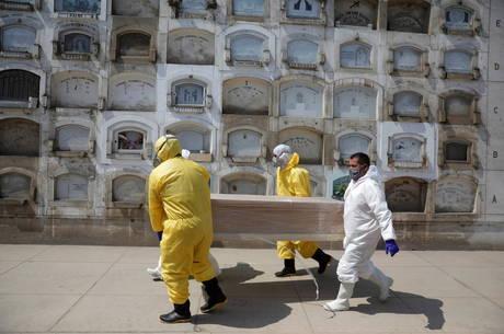 Peru acredita estar chegando no pico da pandemia