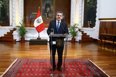 Manuel Merino anunciou sua renúncia neste domingo