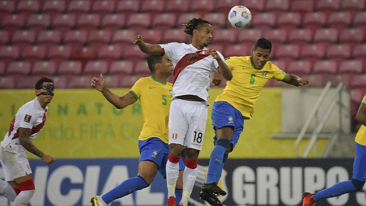 Peru - Sobe: Fez boa marcação e dificultou a movimentação do Brasil no meio-campo, em especial no segundo tempo. / Desce: Mesmo construindo jogadas, não conseguiu levar perigo à meta de Weverton.