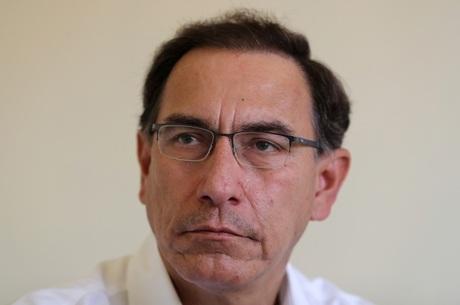 Oposição pede impeachment de Martín Vizcarra