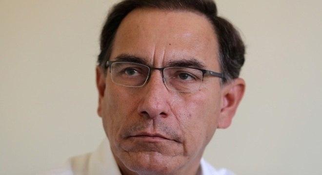 Martín Vizcarra afirmou que não irá renunciar e disse que existe um complô contra ele