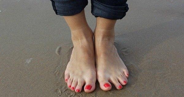 pés e pernas inchados após a seção c nhs