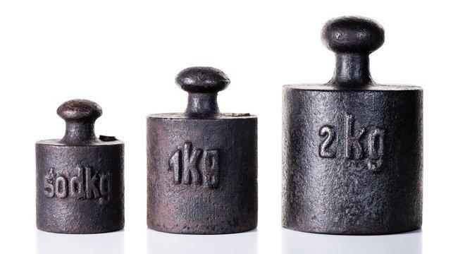 «کيلوګرام» ۱۲۹ کاله وروسته له بدلون سره مخ کېږي