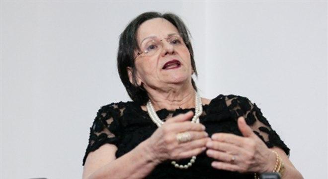 """""""Feminicídios acontecem quando não existe a política pública"""", diz Maria da Penha"""