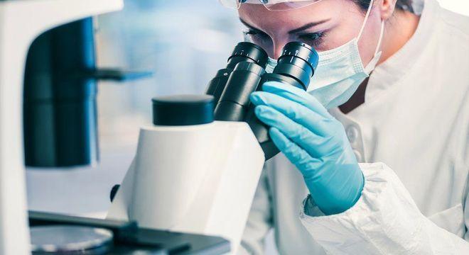 O composto descoberto por inteligência artificial foi capaz de matar 35 tipos de bactérias que causam risco de vida, disseram os pesquisadores