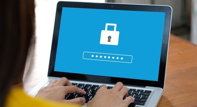 Além de analisar senhas violadas, o Centro Nacional de Segurança Cibernética do Reino Unido pesquisou hábitos de internautas