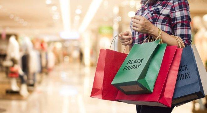 Pesquisar sobre a reputação da empresa é uma das dicas para evitar sofrer golpes na Black Friday