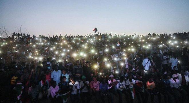 No Sudão, o acesso à internet foi bloqueado durante protestos em abril de 2019