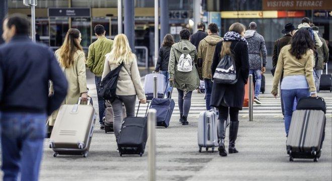 """99 mil brasileiros imigraram em 2017 para países da OCDE, o """"clube dos países ricos"""""""