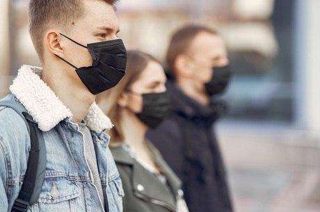 Uso de máscara é obrigatório desde abril