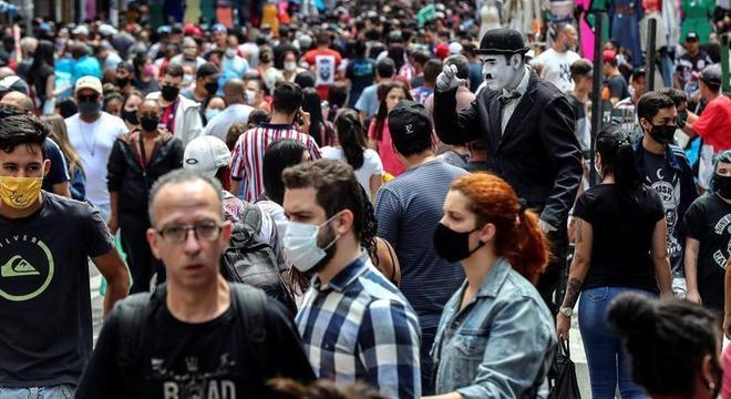Brasil ultrapassou a marca de 150 mil mortos pela covid-19 neste sábado (10)