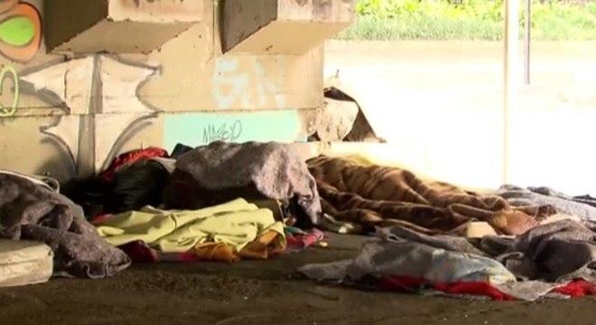 Moradoras de rua receberão itens básicos através de ação