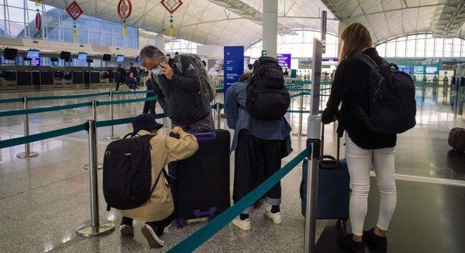 Quarentena e medidas de distanciamento social levaram a uma redução de vôos globalmente
