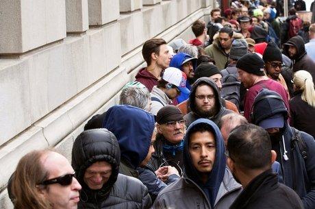 Após a legalização, lojas ficaram com longas filas