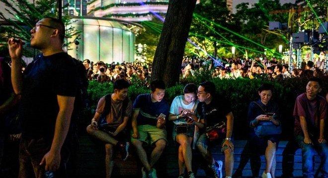 Manifestantes dizem que o uso de fóruns e aplicativos ajuda a evitar que eles se tornem alvo de repressão