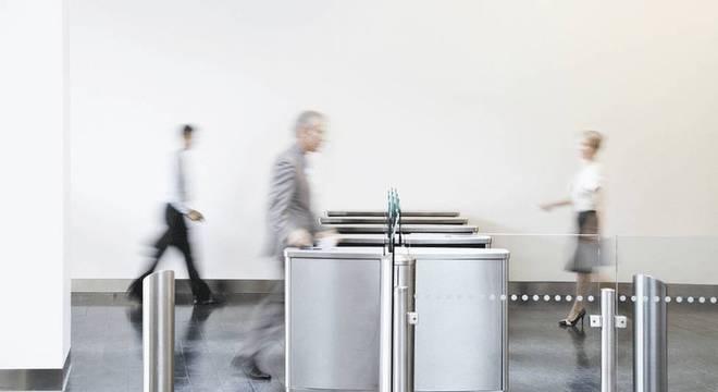 Sistema automatizado tinha o poder de autorizar desde o acesso do funcionário às instalações da empresa até o uso de sistemas de computador