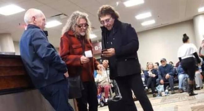 Peter Frampton, Robert Plant e Tony Iommi