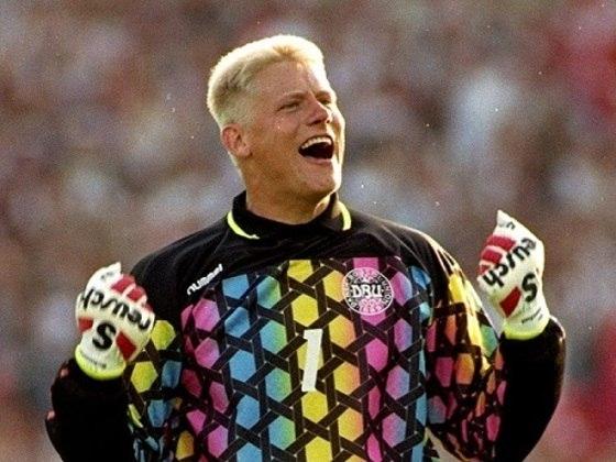 Peter Schmeichel, lendário goleiro dinamarquês, pai de Kasper, que hoje atua pelo Leicester, era o goleiro da seleção derrotada pelo Vasco no Maracanã.