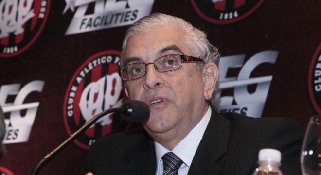Petraglia, comandante do Atlético Paranaense, é um velho opositor à Globo