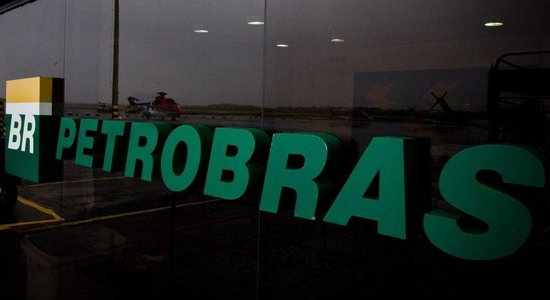 Petroleiros da Bacia de Campos prometem parar a partir de segunda-feira (3)