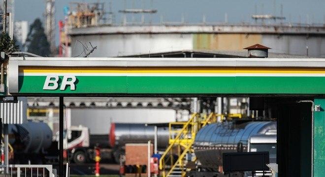 Gasolina tem a segunda redução no mês de outubro