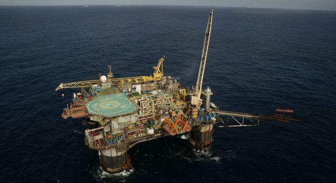 A Petrobras já iniciou a venda de campos terrestres e de águas rasas