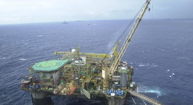 Plataforma de petróleo. Funcionários iniciaram greve neste sábado