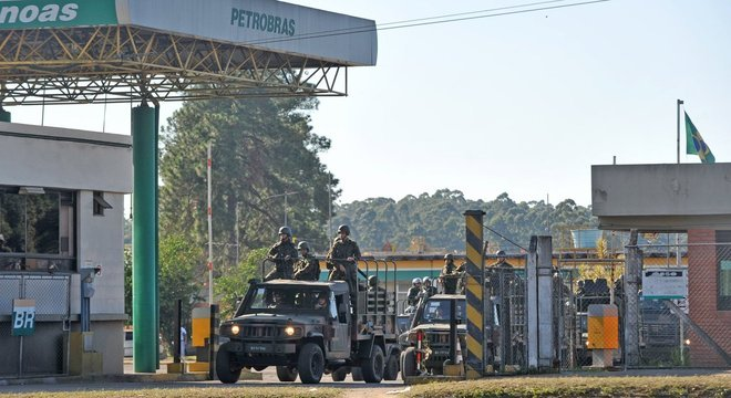 Petroleiros podem entrar em greve nesta quarta-feira (30)