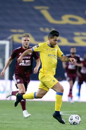 PetrosCompanheiro de equipe de Maicon, Petros atuou por São Paulo e Corinthians e em 2018 se transferiu para o Al-Nassr. O meio-campo foi campeão saudita na temporada 2018-19