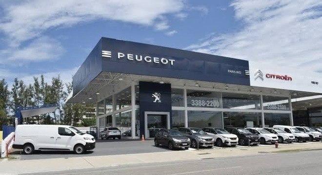 Concessionária da rede Peugeot: oficinas abertas e showroom fechado mas compra é possível