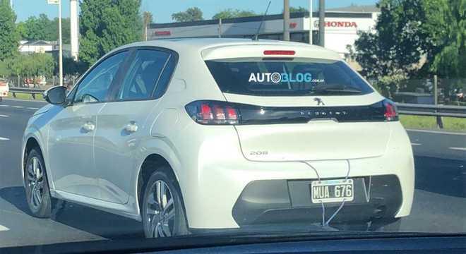 Novo Peugeot 208 está pronto e rodando nos arredores da fábrica de El Palomar, na Argentina