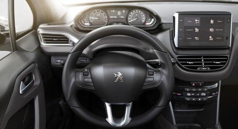 Central multimídia tem sistema Peugeot Connect Radio