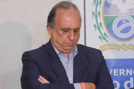 Pezão foi preso faltando um mês para deixar o cargo