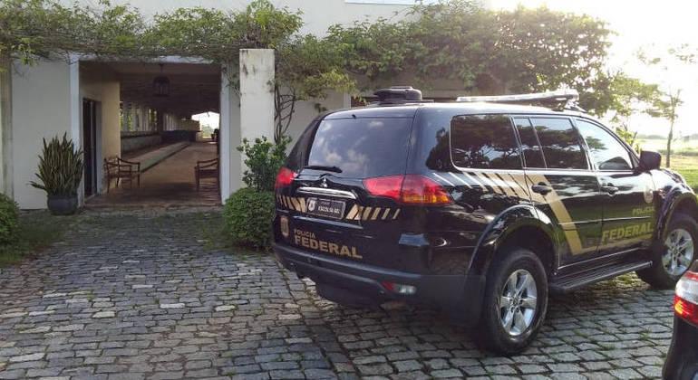 Polícia Federal  faz buscas na capital e em Pindamonhangaba