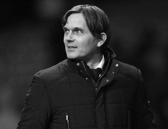 Phillip Cocu – holandês – 50 anos – último clube que treinou: Derby County (ING)