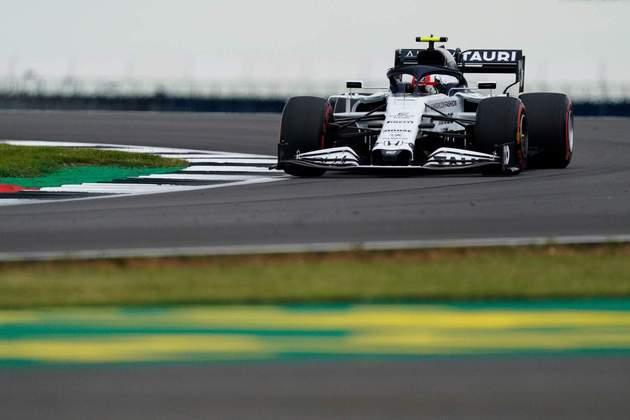 Pierre Gasly acelera no primeiro dia de treinos em Silverstone
