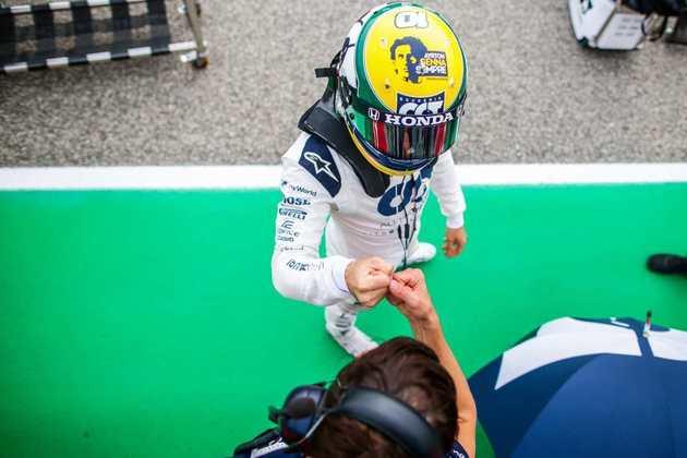 Pierre Gasly e o belo capacete homenageando Ayrton Senna em Ímola
