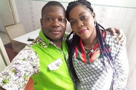 Pilos Tsasa com a esposa: aluno de engenharia civil