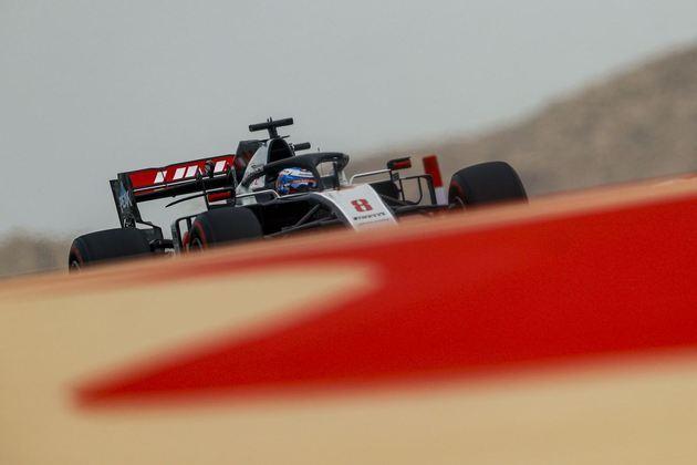 Piloto já teve pódios no Bahrein, mas amarga última fila.