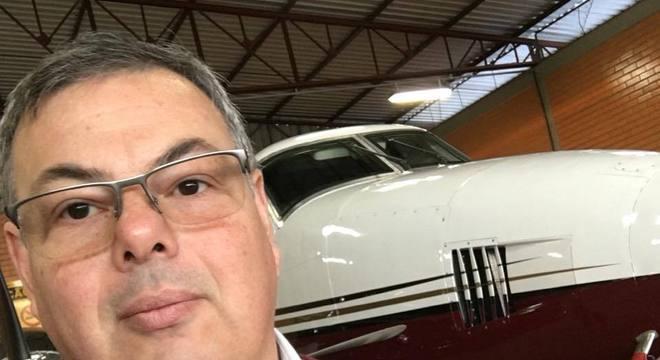Queda de avião deixa um morto e seis feridos em São Paulo