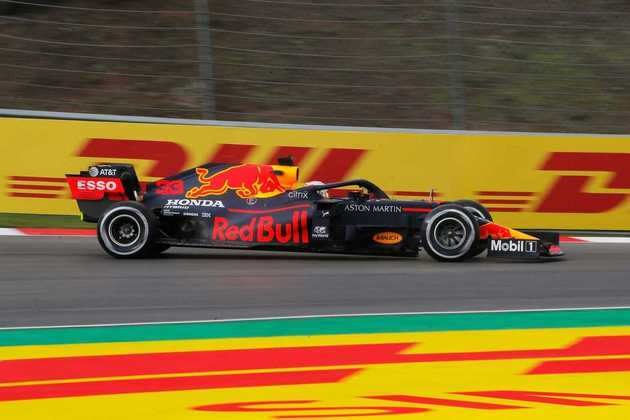 Piloto vive a esperança de impedir sequência de poles da Mercedes.