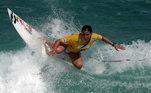 Depois dequase morrer emumacidente grave emPortugal, em2013, Maya Gabeira entrou para oGuinness Bookpor ter surfado uma onda de20metros. Ela tornou-se aprimeira mulher surfista aentrar para ofamoso livro dos recordes