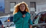 Em 1966, Roberta Gibb escondeu-se atrás de um arbusto perto da largada e completou a Maratona de Boston em 3h21min25. Em entrevista, após corrida, ela disse que o objetivo, não era fazer uma declaração feminista, mas sim medir seu próprio potencial