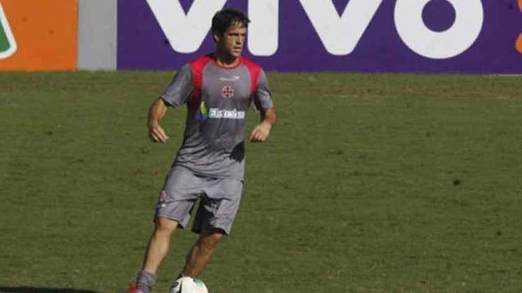 Pipico - Desde 2018 no Santa Cruz e com passagens pelo Macaé, Pipico defendeu o clube de São Januário em 2012. Foram sete partidas e nenhum gol marcado.
