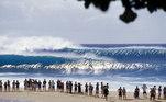 Se a Liga decidir terminar o Mundial Feminino de Surfe em Pipeline, será a primeira vez que as mulheres competirão em uma praia histórica