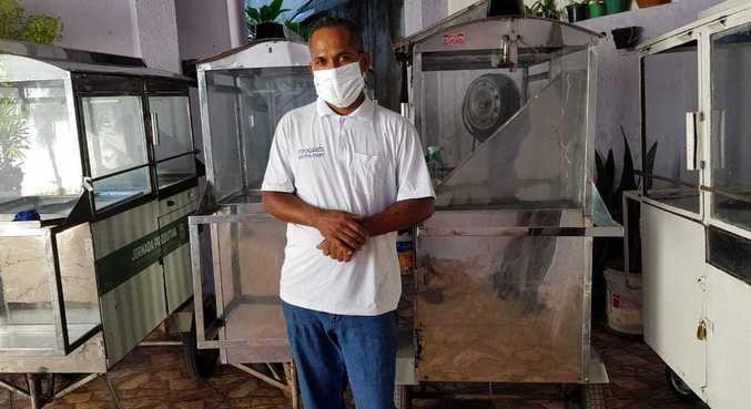 Outras nove pessoas da família de Santos também viviam da venda de pipocas