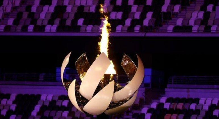 A Pira Olímpica, acesa em Tóquio/2020