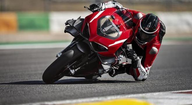 Ducati Superleggera V4, 234 cv de potência para meros 154 Kg