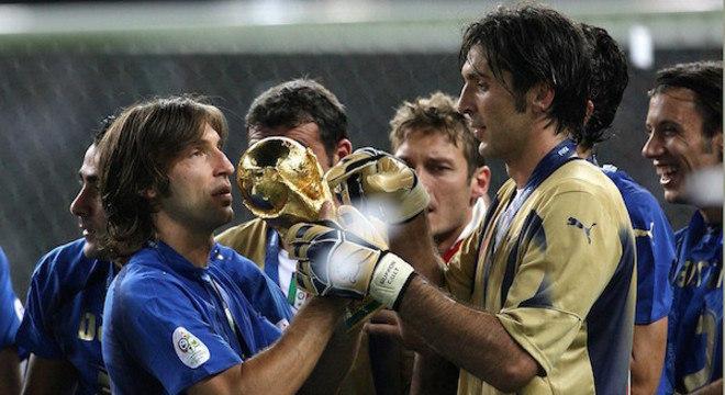 Pirlo e Gigi Buffon, na Copa da Alemanha/2006